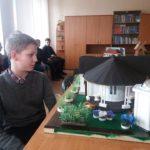 Шосткинські школярі створили унікальні макети традиційних українських садиб (сюжет)