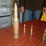 Шосткинець біля гаражів знайшов бойові патрони