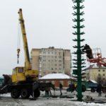 У Шостці розпочався монтаж головної новорічної ялинки