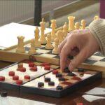 В Арт-Центрі відбувся турнір з шашок і шахів, присвячений 8 березня (Сюжет)