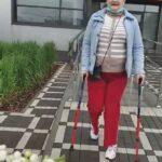 Олені Новіковій, нарешті зробили операцію по заміні суглобів. Про те, як почувається жінка розповіла її донька Настя