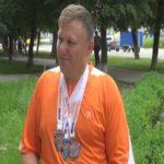 Спортсмен-візочник Дмитро Васильцов продовжує підкорювати вершини онлайн-марафонів (сюжет)