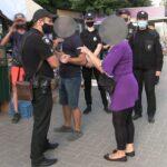 Скандал за участю поліцейських та продавців стихійної торгівлі (Сюжет)